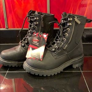 Accelerator Milwaukee motorcycle riding boots